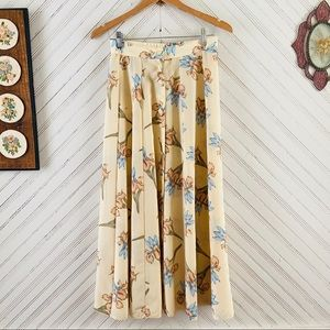Vtg Light Tan Floral Skirt